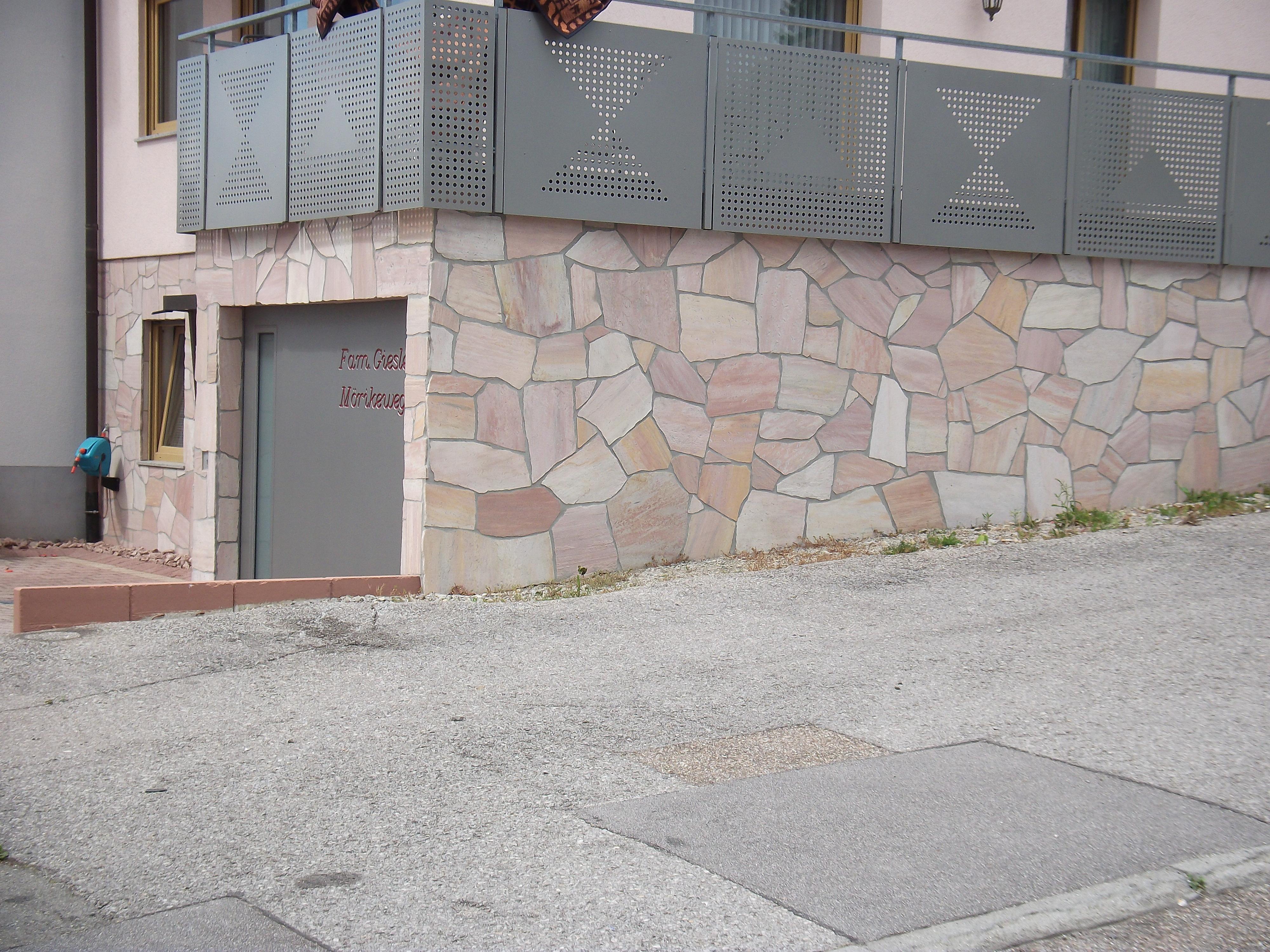 http://www.fliesenleger-glaser.de/wp-content/uploads/2017/04/Poligonal-Fasade.jpg